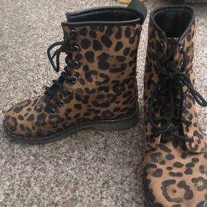 Shoes - Cheetah combat boots